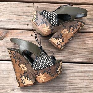 SERGIO ROSSI Carved Wooden Platform Heeled Sandal